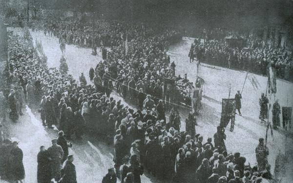 Перепоховання 29-ти загиблих під Крутами. Київ, 19 березня 1918 року. Фото Історична правда
