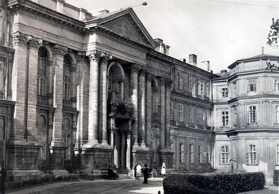 Будинок Львівського загального крайового шпиталю, у якому містилось очне відділення, керівником якого з 1892 року був Емануїл Махек