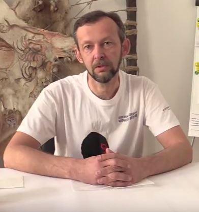 Завідувач відділу Державного природознавчого музею НАН України, кандидат біологічних наук, орнітолог Андрій Бокотей