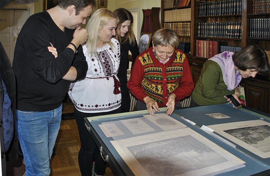 На екскурсії в Інституті досліджень бібліотечних мистецьких ресурсів