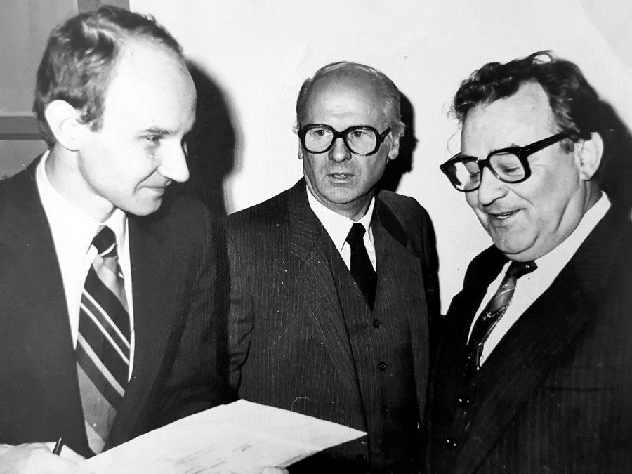 Професор Панасюк Є. М. разом з д.м.н. Луцик О. Д. та проф. Зербіно Д. Д., 1992 р.