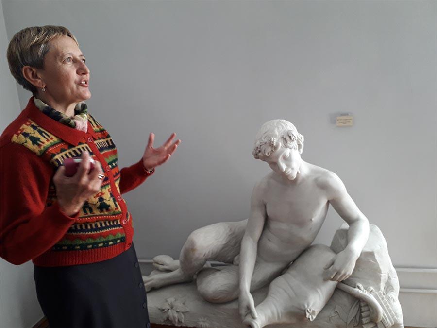 Ольга Осадця розповідає про колекції Інституту
