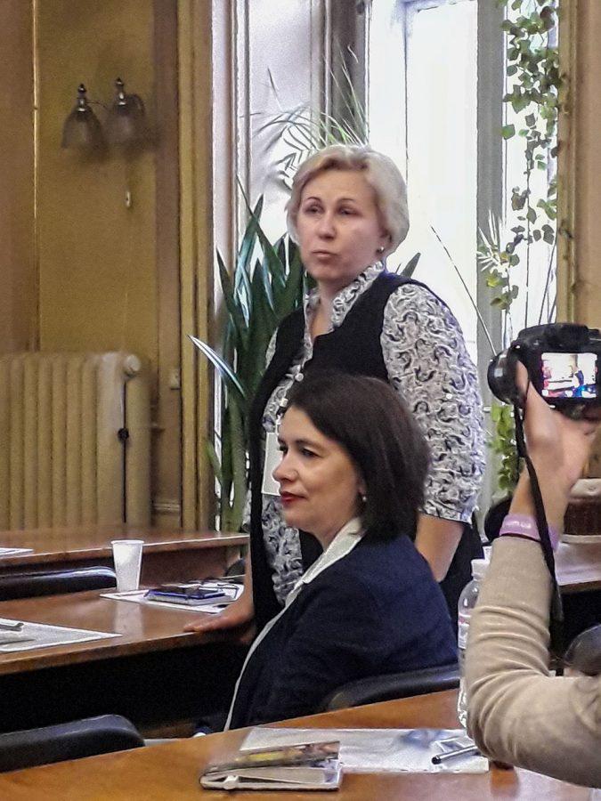 Виступає керівник Секції медичних бібліотек Аурелія Відьма